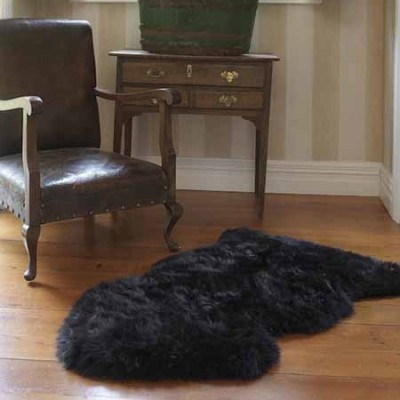 Black Sheepskin Rug (2x3.5 ft) 1
