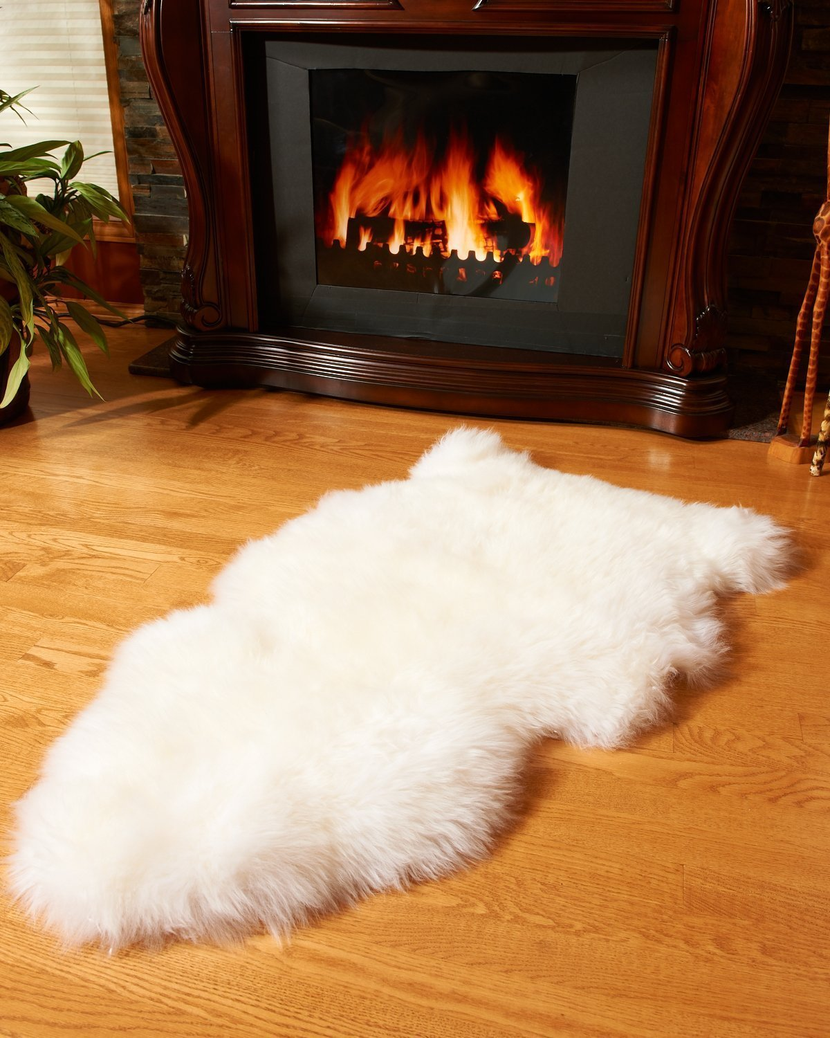 White Sheepskin Rug (2x3.5 ft) 2